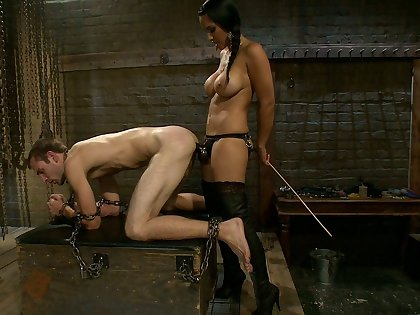 Mistress added to her male depending to fuck