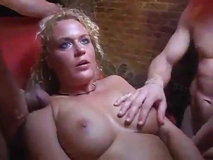 Deutsch gangbang bei Swinger-Club I wish her...