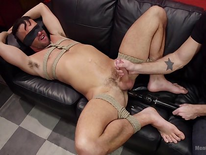 Exclusive bondage porn for the gay lovers