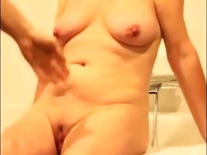 Amateur video grown up woman 2