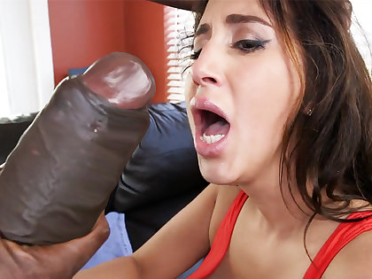 Latina rescuer get an orgasm from zooid gumshoe