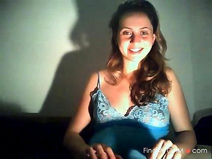 preggo girl in webcam