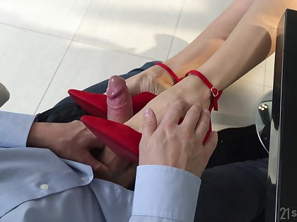 Nasty foot fetish porn with the magnificent secretary