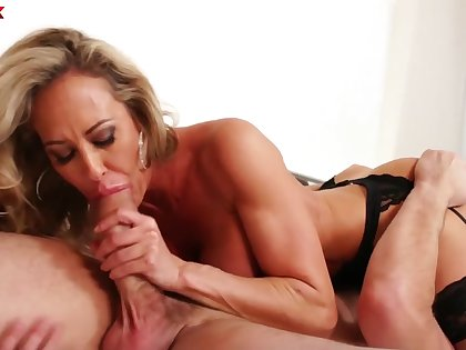 Beautiful curvy MILF in sexy lingerie Brandi Carry the works on cock of Manuel Ferrara