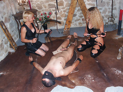 Amateur pegging be worthwhile for 2 pissing mistresses