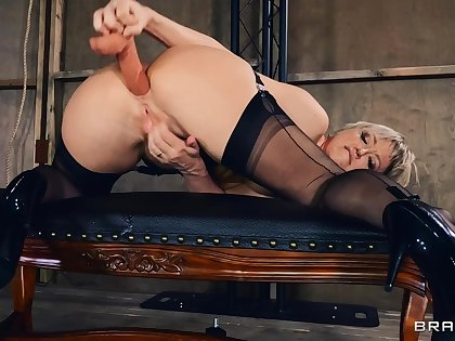 Desolate mature Dee Williams drills say no to pussy and ass with toys