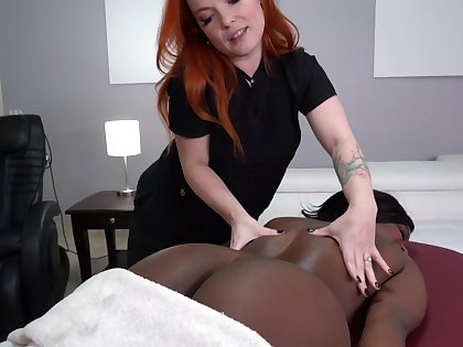 Lesbain massage roughly hot Harmonie Marquise and Summer Hart