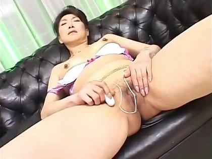 Nanako Shimada Hot Japanese live-in lover masturbates